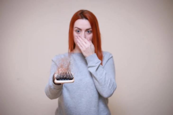 Mengatasi Rambut Rontok Berlebihan